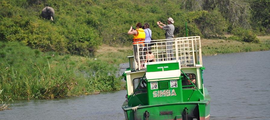 Gorilla Trek Uganda & Wildlife Safari - Boat Safari in Murchison